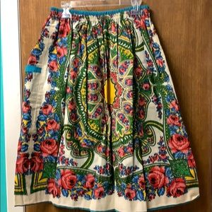 Dresses & Skirts - Vintage reversible skirt with pockets!!!
